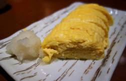 Dashimaki tamago (omelette with radish)