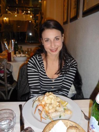 Gran fritto di calamari, gamberi, scampetti con julienne di verdure