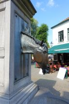 Horse Head Drinking Fountain, Wijngaardstraat