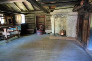 121 Farmhouse