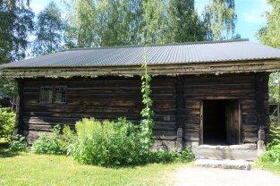 31 Farmhouse