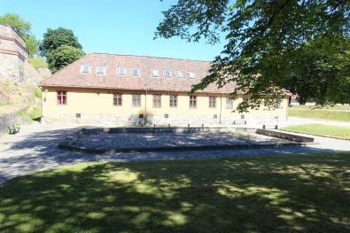 Munk's Pond & Barracks