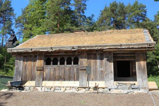 15 Open-hearth house