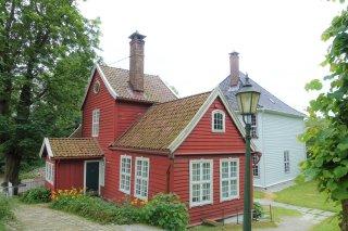 Krohn Bailiff's house and Krohnstedet