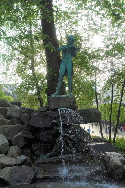 Ole Bull Statue