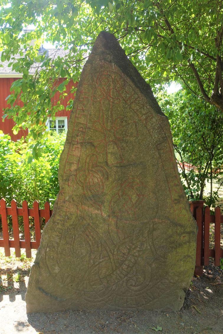 Rune stone/Hanstastenen