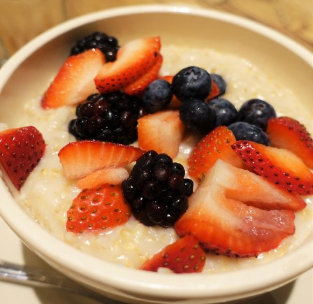 Organic steelcut oats and berries, Le Pain Quotidien